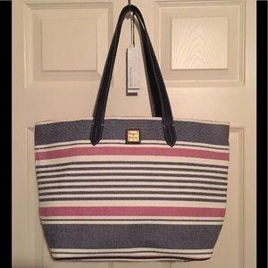Dooney and Bourke Large Zipper BigTote Bag Shopper